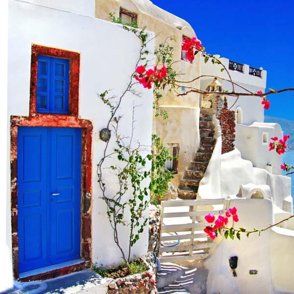 Oia Village inBurano, Italy Santorini, Greece 2